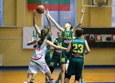 Baltarusų išbandymas: vaikinai iškovojo lengvą pergalę, merginos pralaimėjo po dviejų pratęsimų (foto)