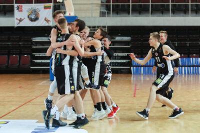 Po krepšiais dominavę Sostinės KM I – U15 čempionato nugalėtojai