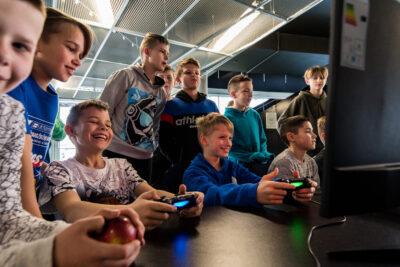 Karantino metu – moksleivių kovos virtualiose krepšinio aikštelėse