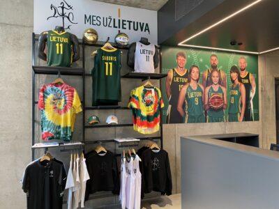 Atidaryta oficiali Lietuvos vyrų krepšinio rinktinės atributikos parduotuvė