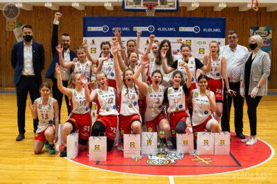 Klaipėdiečių šturmą finale atlaikiusios vilnietės – U14 čempionės